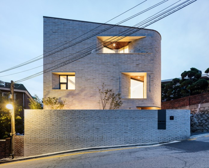 Pyeong Chang Dong Brick House / June Architects, © Yongsub Shin