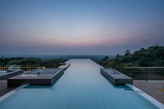 Infinity Pools in 15 Architecture Projects – Free Autocad