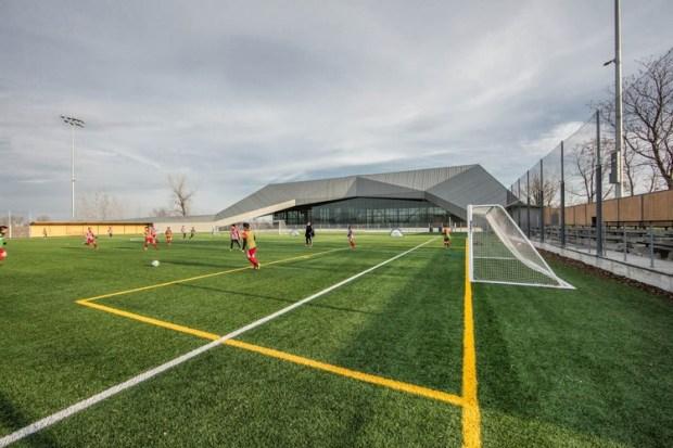 Stade De Soccer de Montréal / Saucier + Perrotte architectes + Hughes Condon Marler Architects. Manufactured by elZinc. Image © Olivier Blouin