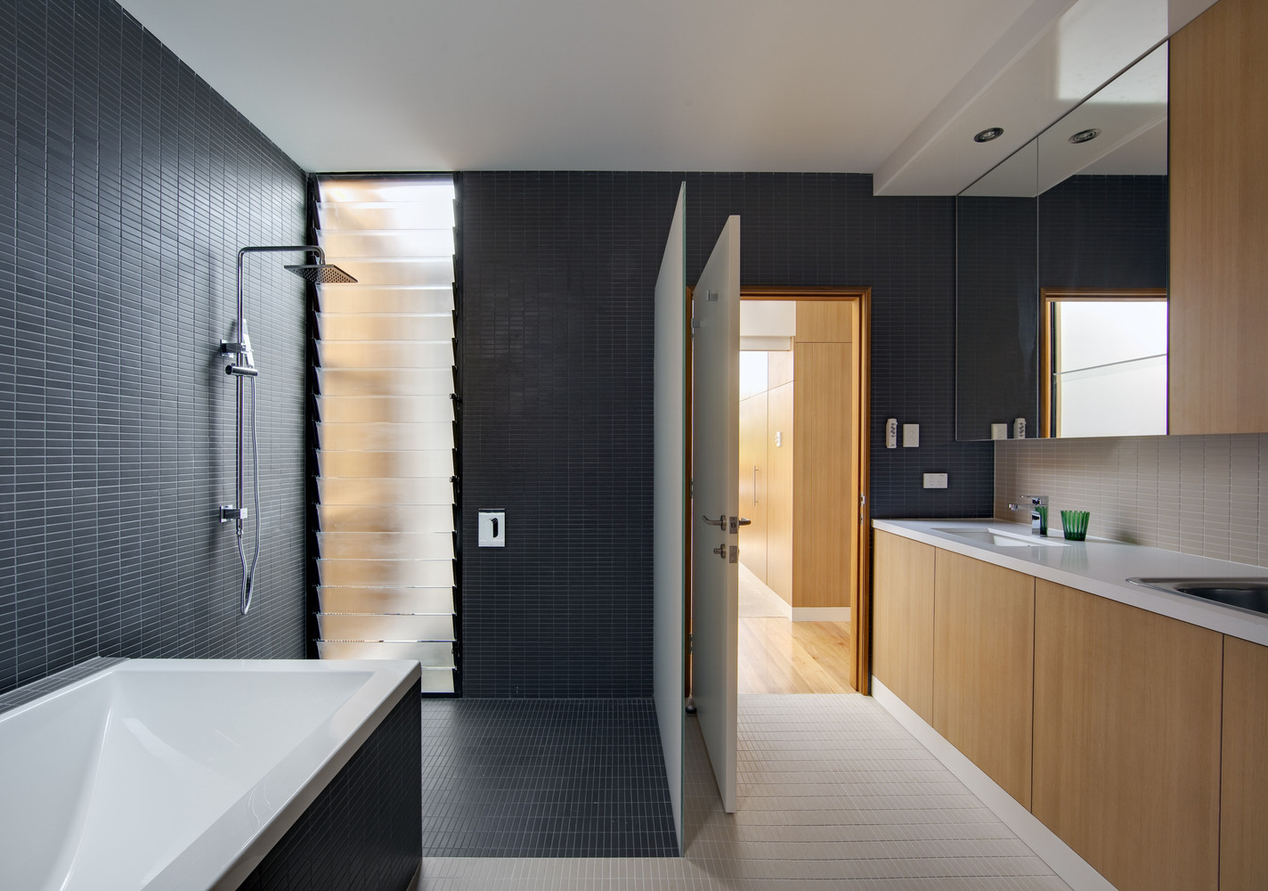 Gallery Of Walk In Showers Without Doors Or Curtains Design