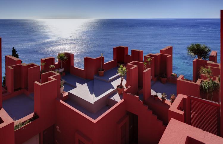 La Muralla Roja / Ricardo Bofill. Image © Ricardo Bofill