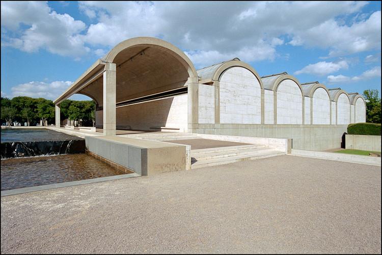 Kimbell Art Museum / Louis Kahn. Image Courtesy of Xavier de Jauréguiberry