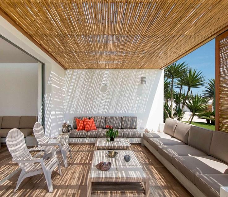 Maisons péruviennes avec pergolas en bois: l'espace entre l'intérieur et le paysage, La casa Panda / DA-LAB Arquitectos.  Image © Renzo Rebagliati