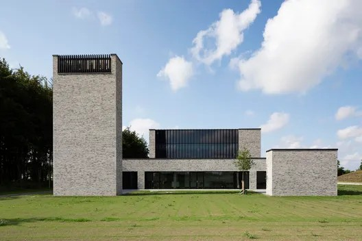 Communal Crematorium / Henning Larsen. Image  Anders Sune Berg