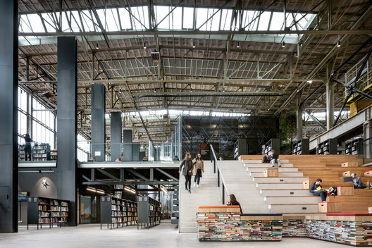 LocHal Public Library by Civic architects, Braaksma & Roos Architectenbureau, Inside Outside / Petra Blaisse -  2019 World Building of the Year. Photo © Stijn Bollaert
