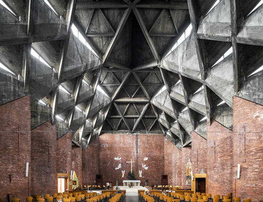 Church of Christ the Redeemer, by architects Nicola and Leonardo Mosso with Livio Norzi. Turin, Italy (1954-1957). Image © Stefano Perego