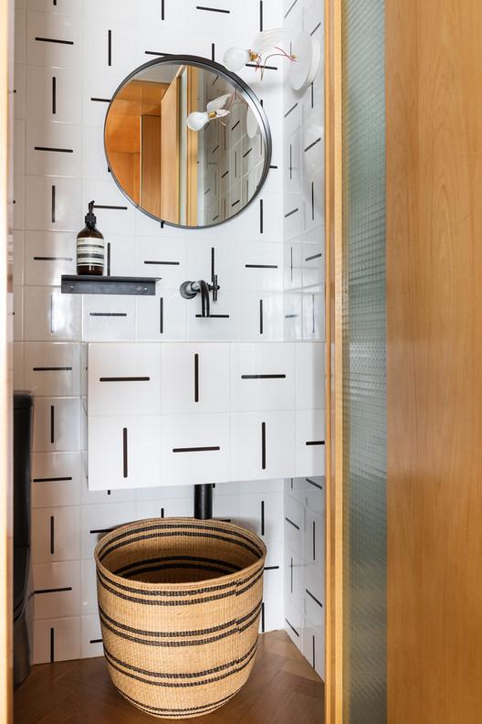 Apartamento BW / vapor arquitetura+Renata Gaia Arquitetura. Foto © Lufe Gomes