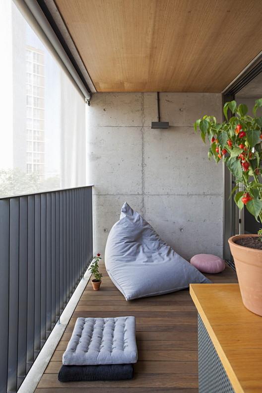 Apartamento com partições / Casa100 Arquitetura. Foto ©Gui Morelli
