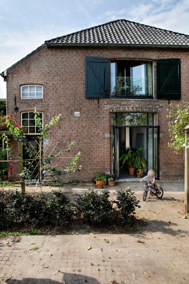 Apple Farm Nooitgedacht House / HILBERINKBOSCH Architecten. Image © Inga Powilleit