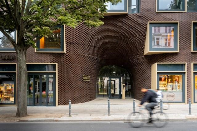 Bricks Berlin Schoeneberg / GRAFT. Image © Bttr GmbH