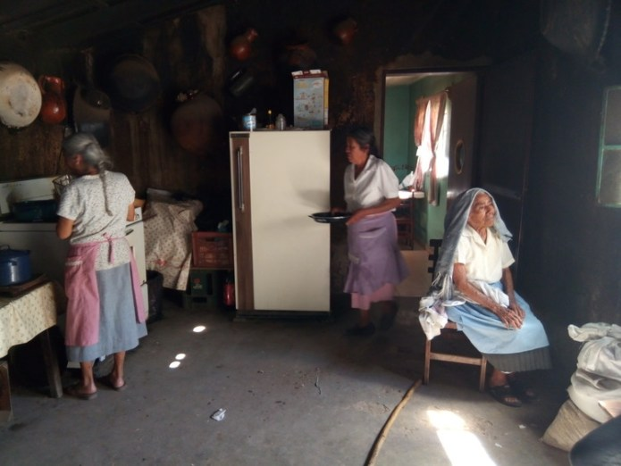 Mendoza Kitchen Ixmiquilpan, Hidalgo, Mexico (previous state).  Image © Rosario Argüello