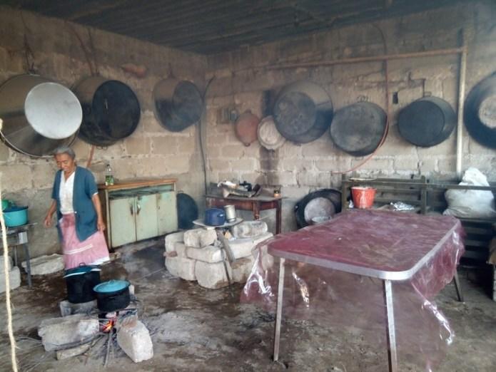 Mendoza Kitchen Ixmiquilpan, Hidalgo, Mexico (Process).  Image © Rosario Argüello