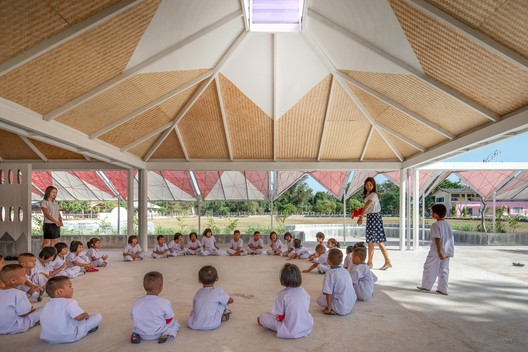 Bang Nong Saeng Kindergarten / Sarquella + Torres Arquitectes. Photo: © Beer Singnoi