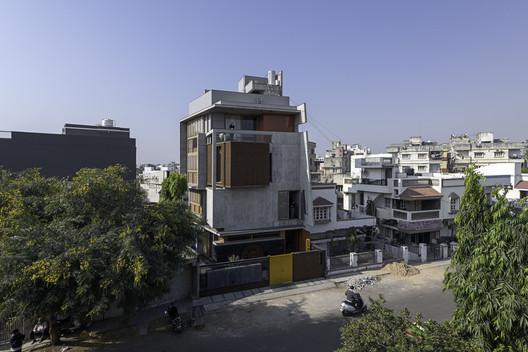 © Ira, PHX India