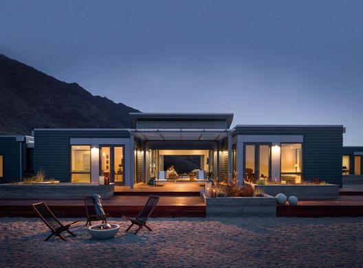 Blu Homes. Image Courtesy of Robert Yuen