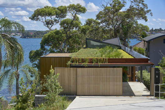 Bundeena Beach House / Grove Architects. © Michael Nicholson Photography