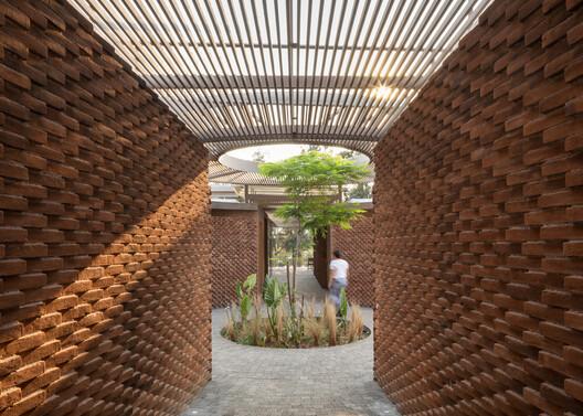 UC House / Daniela Bucio Sistos // Taller de Arquitectura y Diseño. Image © Dane Alonso