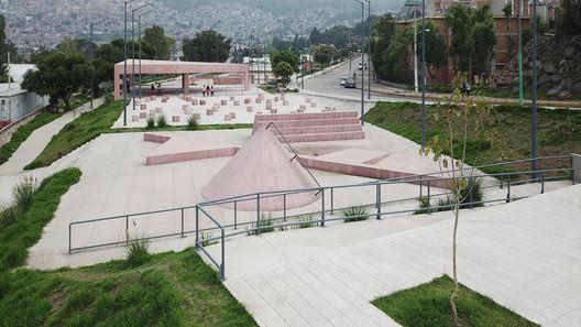 Public Park in Tlalnepantla / PRODUCTORA. Image © Erick Méndez