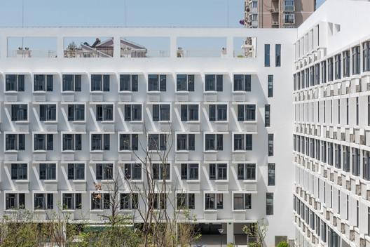 Longnan Garden Social Housing Estate / Atelier GOM. Image Courtesy of Atelier GOM