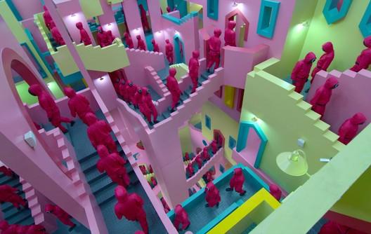 Maze-like hallway. Screenshot from the series. Courtesy of Netflix