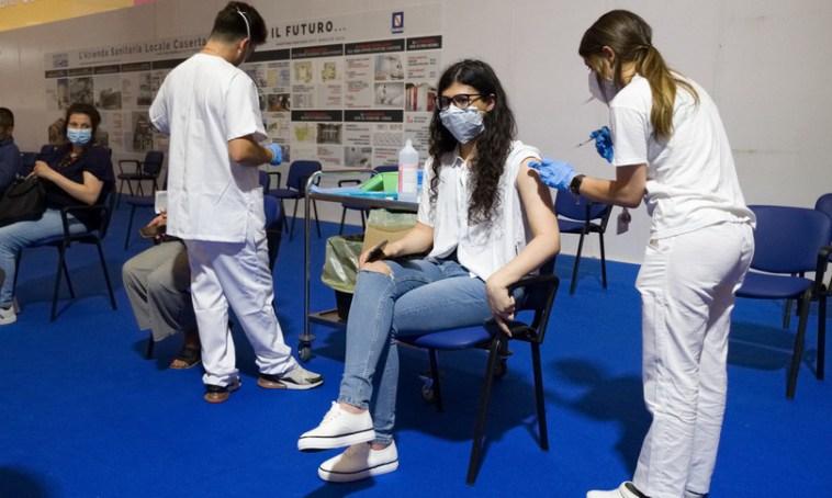 Coronavirus: in Italia 4.259 casi e 21 morti, il tasso di positività sale all' 1,8%