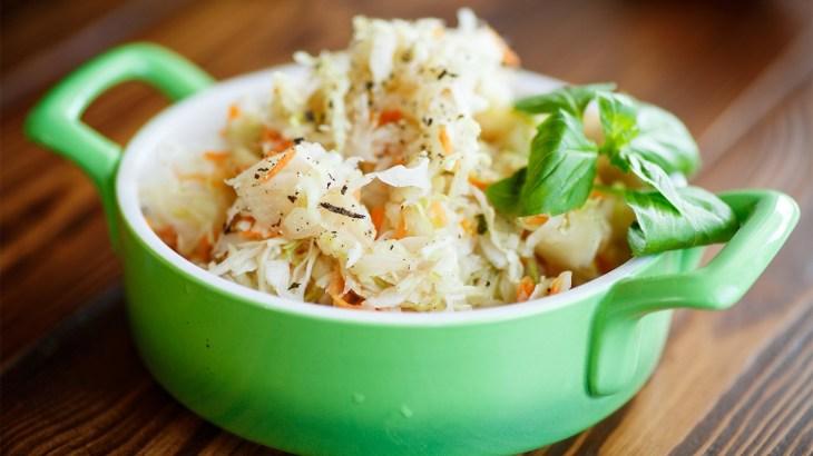 Wie man Verdauung mit Sauerkraut beschleunigt