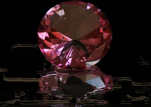 pink diamond round cut gem stone