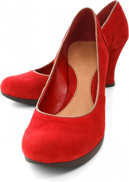 red shoes isolated