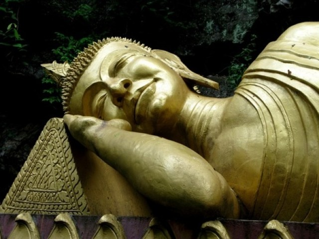 buddha gold sleeping