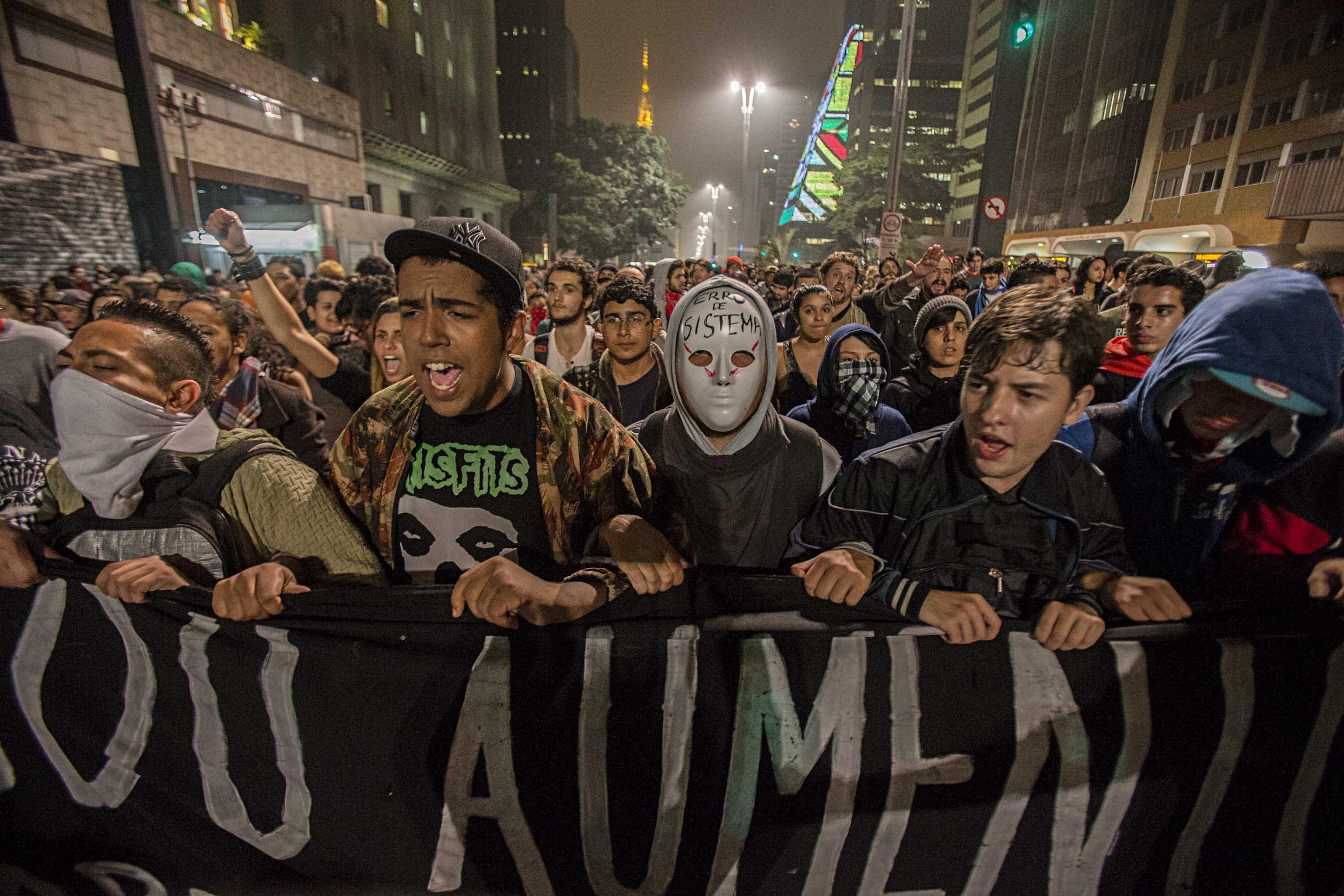 Junho - O Mês que Abalou o Brasil - Foto