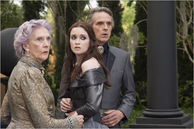 Sublimes créatures : photo Alice Englert, Eileen Atkins, Jeremy Irons