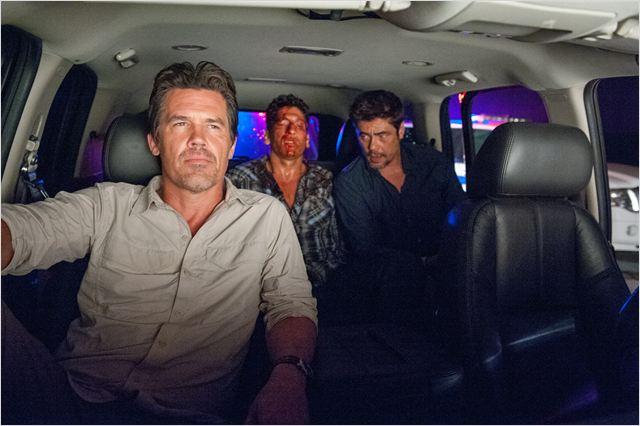 Sicario : Photo Benicio Del Toro, Jon Bernthal, Josh Brolin