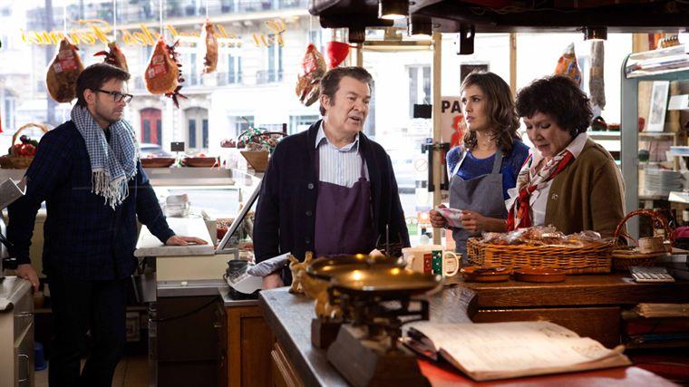 Yann (Clovis Cornillac) et Rose (Olivia Bonamy) écoutent les conseils du père de cette dernière (Martin Lamotte)