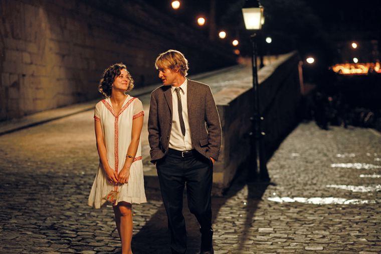 Balade nocturne pour la muse Adriana (Marion Cotillard) et Gil (Owen Wilson)