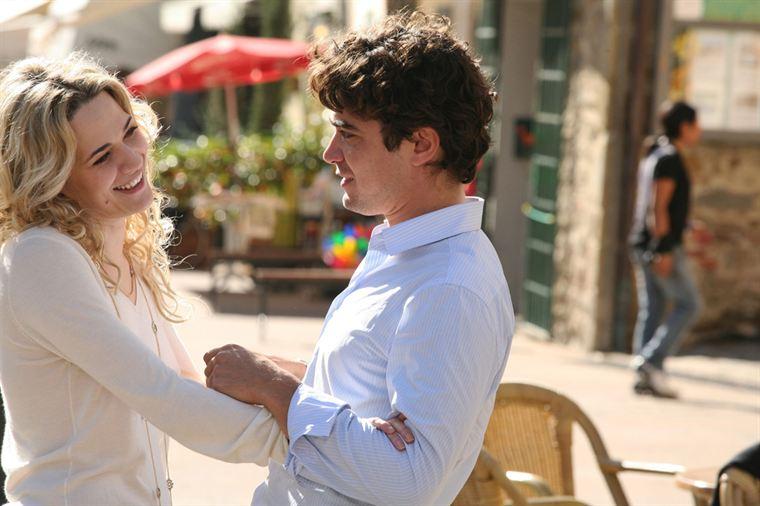 Roberto (Riccardo Scamarcio) va-t-il renoncer à son mariage pour la belle Micol (Laura Chiatti) ?