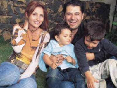 3909833929 - تعرف علي زوجات الفنانين العرب - برأيك من اجمل زوجة !!
