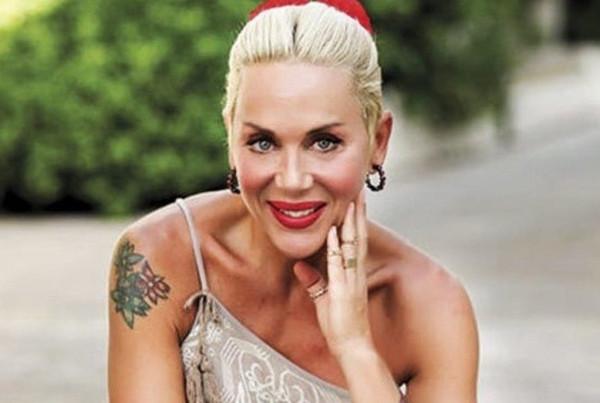 ممثلة تركية تعترف بمواعدتها رجل متزوج: لست مُحرجة