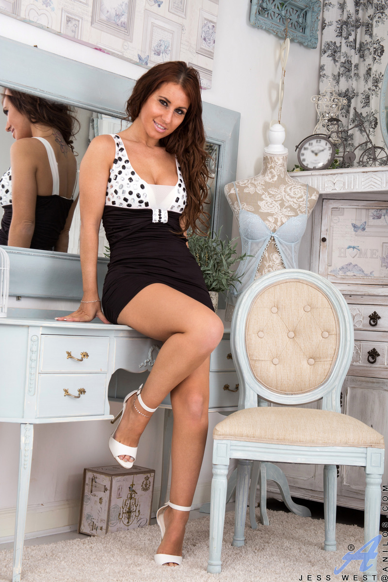 Anilos.com - Jess West: Naughty Milf