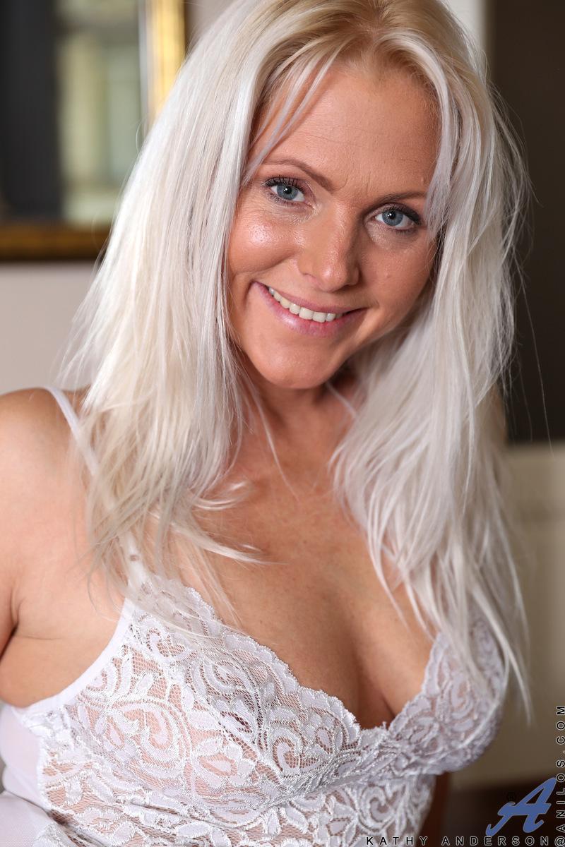 Anilos.com - Kathy Anderson: Stunning Beauty