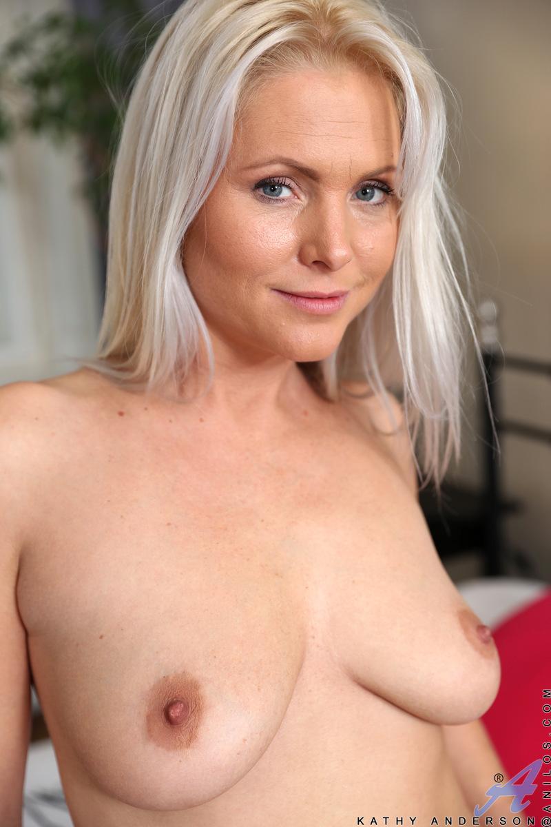Anilos.com - Kathy Anderson: Toy Lover