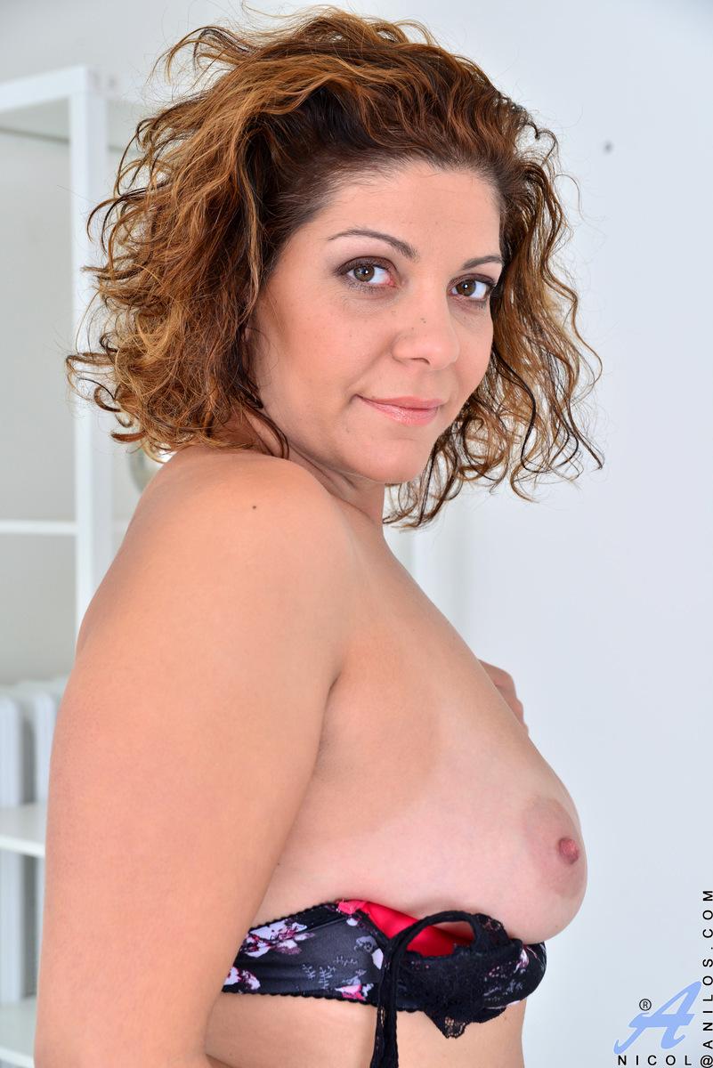 Anilos.com - Nicol: New Comer Nicol