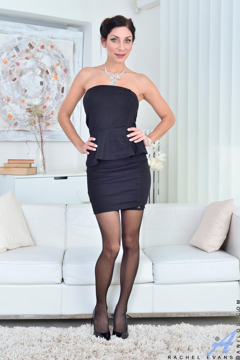 Anilos.com - Rachel Evans: Classic Beauty