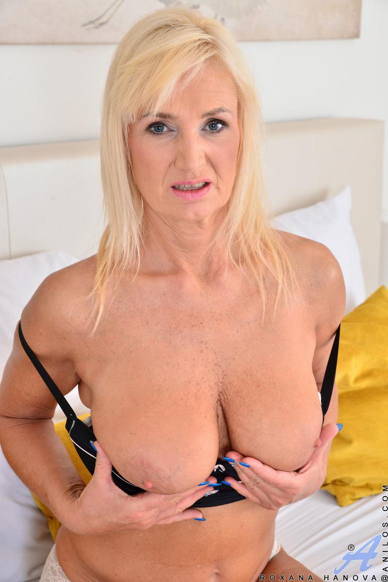 Anilos.com - Roxana Hanova: Natural Tits