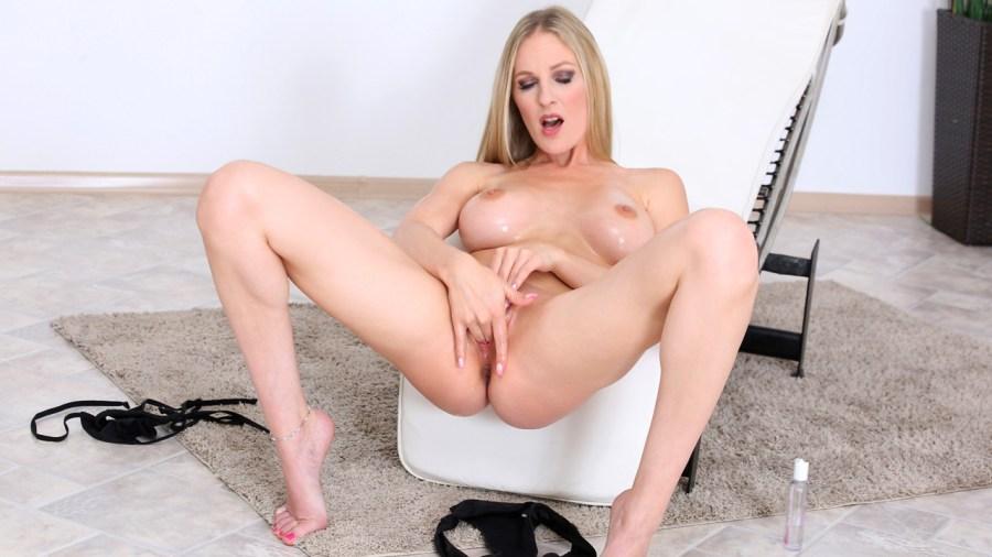 Anilos.com - Cam Angel: Massage Oil