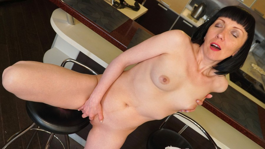 Anilos.com - Cherry Despina: Mature Spinner