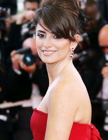 Side Swept Bangs Penelope Cruz. Penelope Cruz wears a full-out,