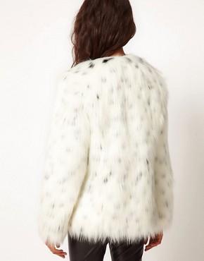 Imagen 2 de Abrigo de piel de leopardo de las nieves de ASOS