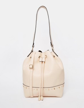 New Look Minimal Duffle Bag 100 Cheap Thoughtful Gift Ideas For Her Under £20