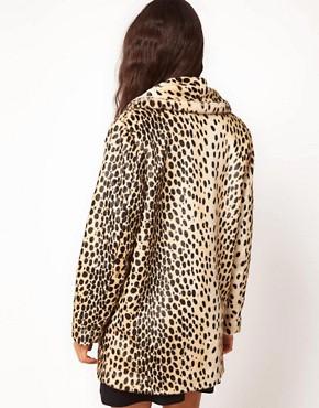 Imagen 2 de Abrigo de leopardo con botones en la parte delantera de ASOS