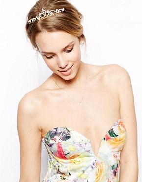 Imagen 1 de Tiara con perlas de imitación de ASOS